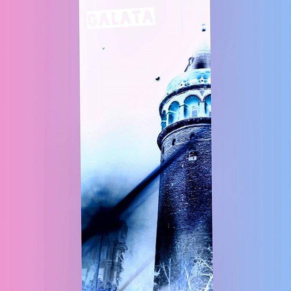 Istanbul Galata Kuledibi NEGATIF Negative Galatatower Tower Ancient Pink Blue Pembe Mavi Art Photography Güyagalatayadadanmışız Lovethere Photographerdiary Filmlovers Analog Mediumformat