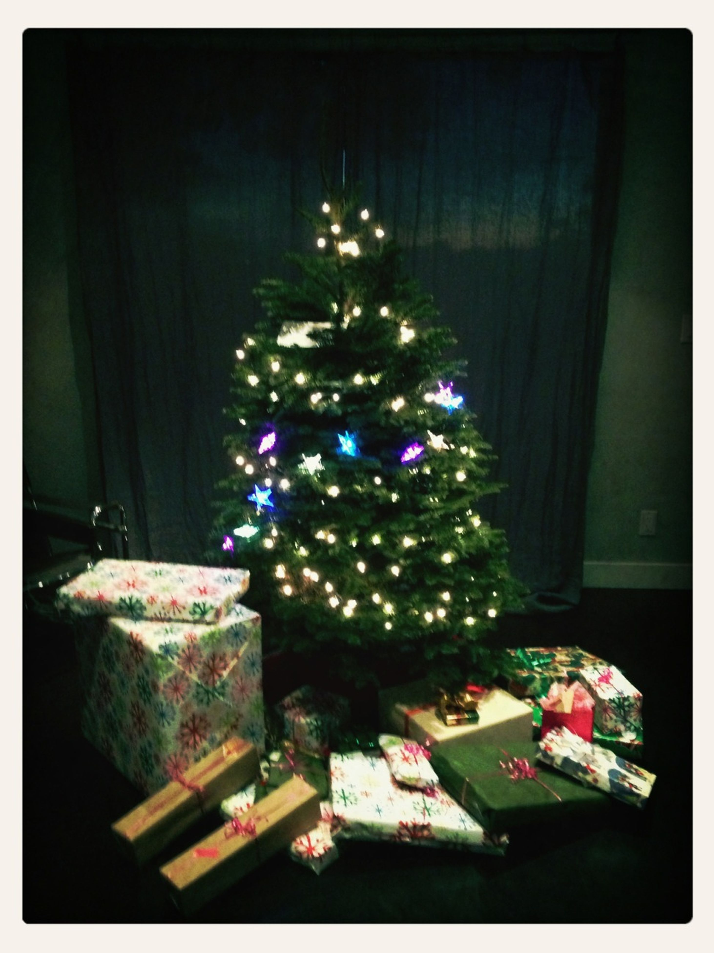 illuminated, transfer print, indoors, night, celebration, decoration, multi colored, auto post production filter, christmas, christmas decoration, decor, lighting equipment, tradition, home interior, table, hanging, christmas tree, christmas lights, no people, large group of objects