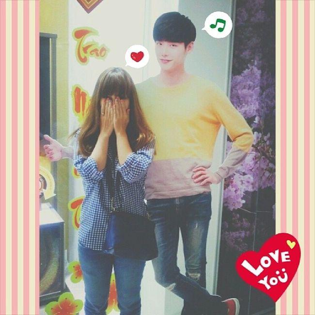 정석오빠 와 함께 사진이 찍었어용 ㅋㅋㅋ ♥♡♥ Infrontof Skinfoods Store Leejongsuk