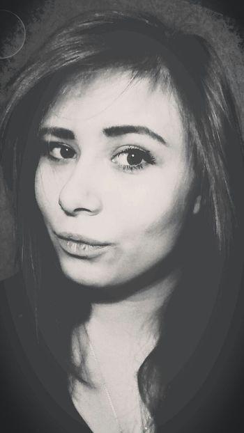 Кому что, а нам лишь бы фоткаться) селфи♥ черно-белое Selfie ♥ Night Don't Worry, Be Happy