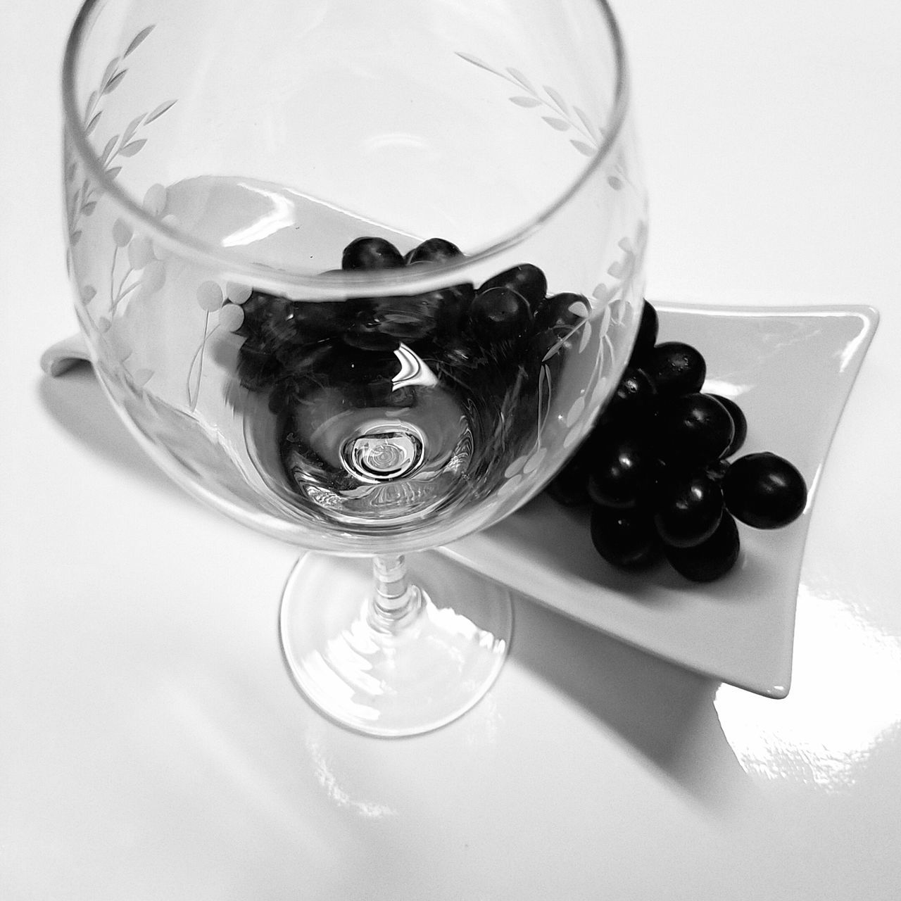 B&W Cup and Grapes Close-up Day Drink Drinking Glass Food Grapes High Angle View Indoors  MUR B&W No People Still Life Table White Background Wine Wine Moments Wineglass