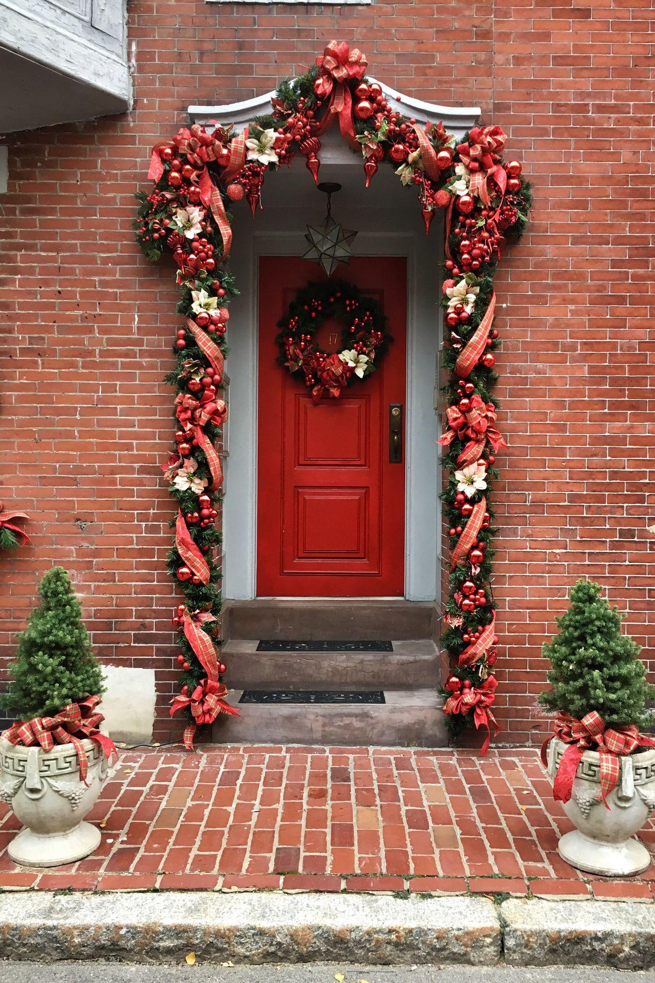 Festive Season Christmas Decoration Decorated Door Outdoor Decorations