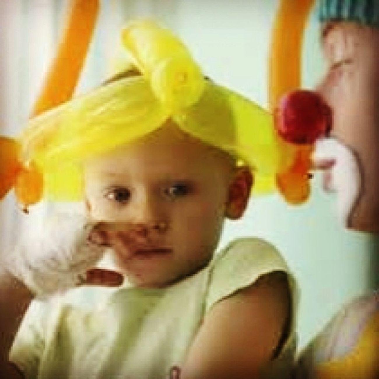 """""""Los niños no luchan solo contra el cancer"""" la alegria que le das es parte de la cura. Cancer Cancerinfantil Familiaunida cadenasdeoracion Dios diosgracias dioslocuida"""
