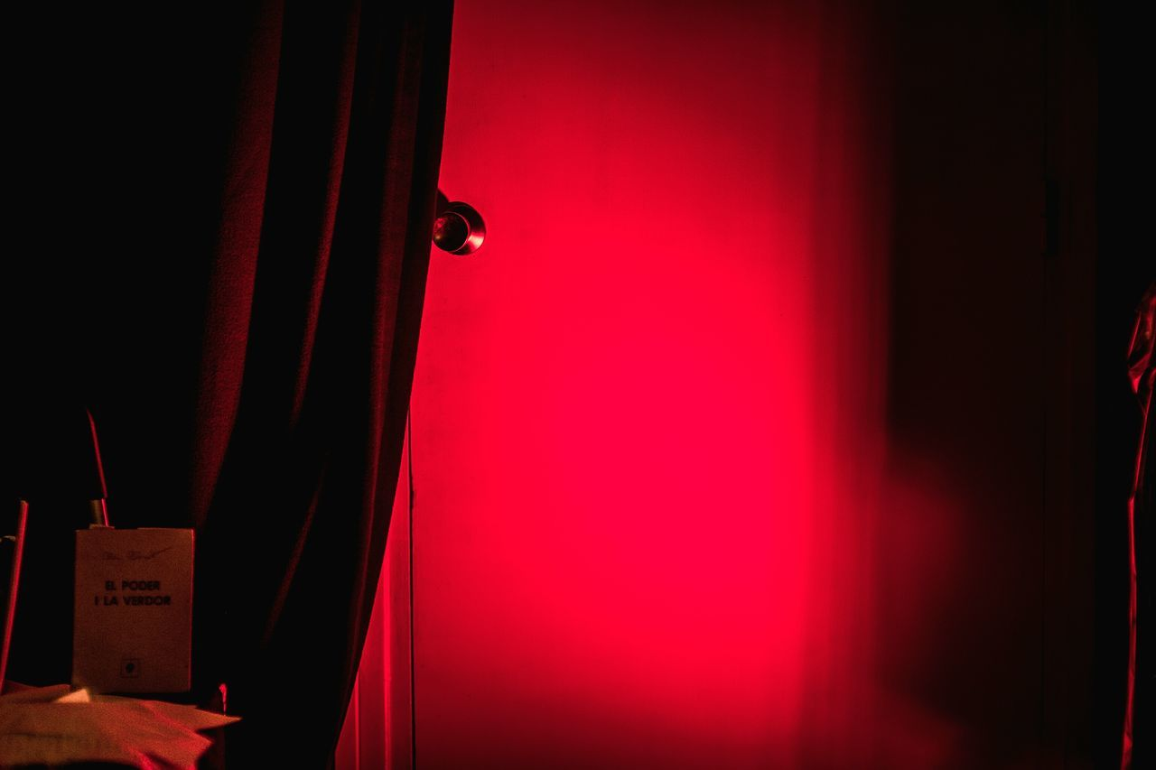 Núria Martínez-Vernís & Ramon Solé @ Gràcia Territori Sonor Red Door Curtain Stage - Performance Space No People Indoors  Spotlight Textures And Surfaces Fragments Of Life Open Edit Color Things I See Performance Light And Shadow BCN Experimental Music Poetry