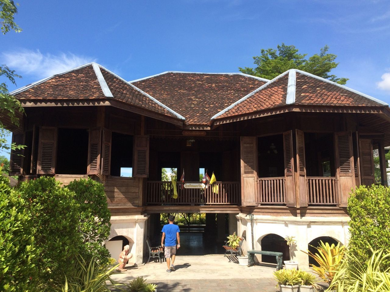 Back to the Future Architecture House Wooden House Old House Vintage Wooden Thailand Nakhon Si Thammarat Man Walking Green Sky Roof Building Museum The Essence Of Summer People And Places Snap A Stranger