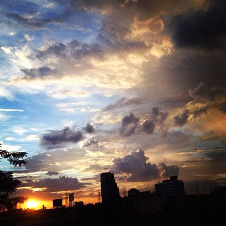 Sky mixture Hello World Sky And Clouds Mixture Of Colors Sky_collection Complicated All In One  The Great Outdoors - 2016 EyeEm Awards Scenery Shots Sunset_collection Sunset #sun #clouds #skylovers #sky #nature #beautifulinnature #naturalbeauty #photography #landscape