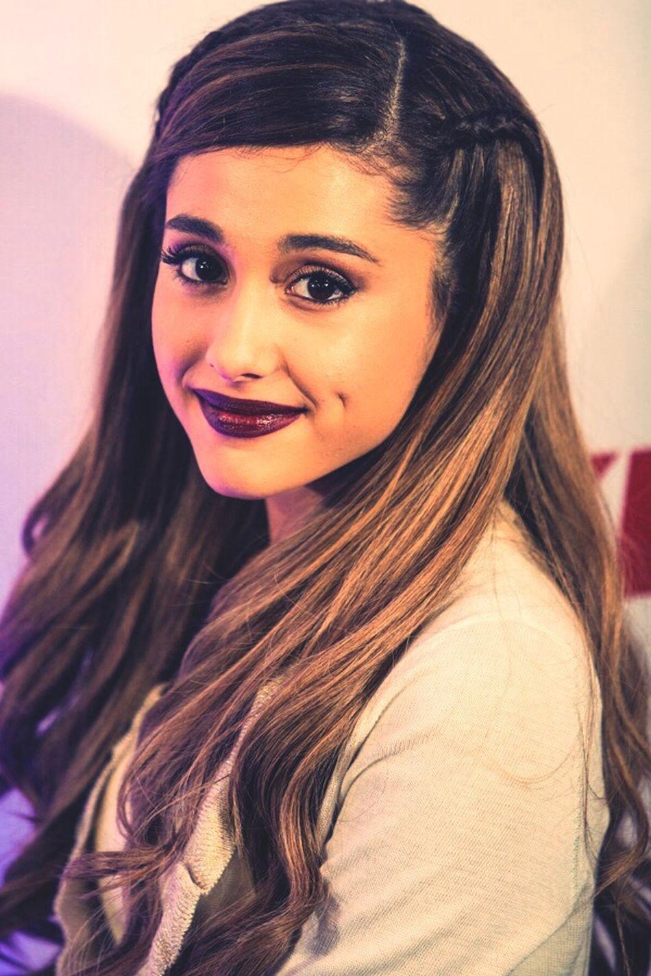 Ariana Grande Pretty Cutie Jingle Ball