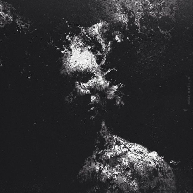 Shedding Blackandwhite Surrealism Mextures Portrait Shootermag WeAreJuxt.com Selfportrait