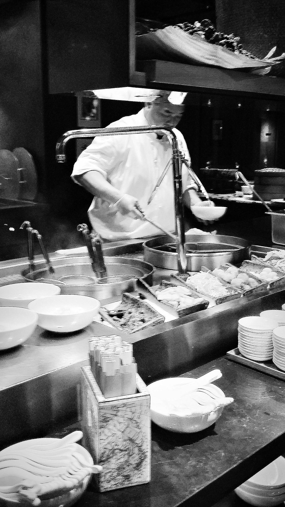 Chef Cooking Noodle Soup The Colony Restaurant Ritz Carlton Streetphotography EyeEm Gallery Eyeemcollection Eyemphotography Eyeem Streetphotography Bnw Bnw_streetphotography Bnw_collection Bnw_life Bnw_society Bnw_city Bnw_globe Bnw_photo Bnw_planet Bnw_captures Bnw_worldwide