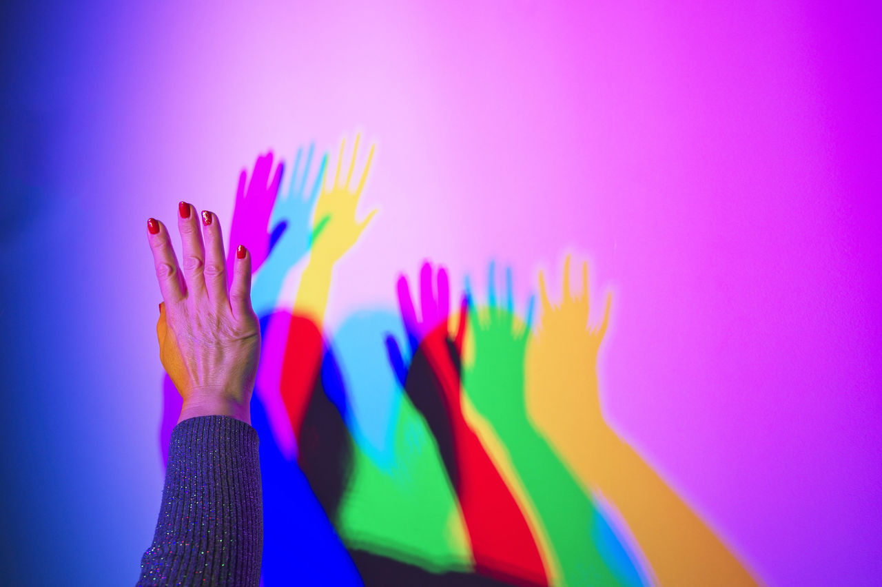 Multi Colored Purple Pink Color Vibrant Color Human Hand Close-up People Hi Friends Shadows & Lights Colour Of Life Coloured Shadows Nostalgic  Where Are They Going Long Distance  Hope Magic Light Shrink Dream Psihology Ilustration Separeted Mind Colorful Conceptual Abstract