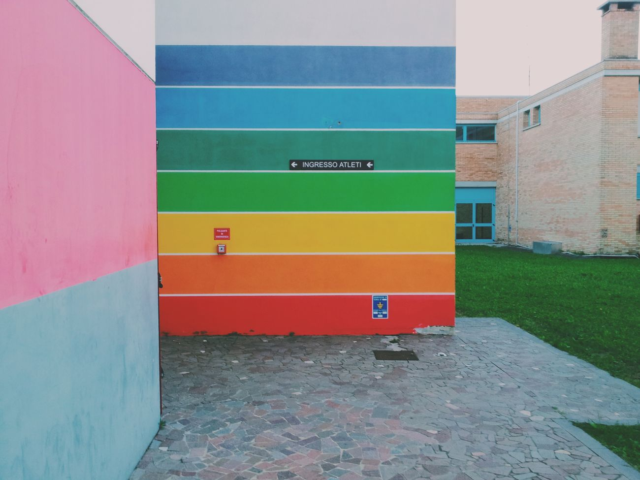 Arcobaleno  Colorful Wall Game Day ❤