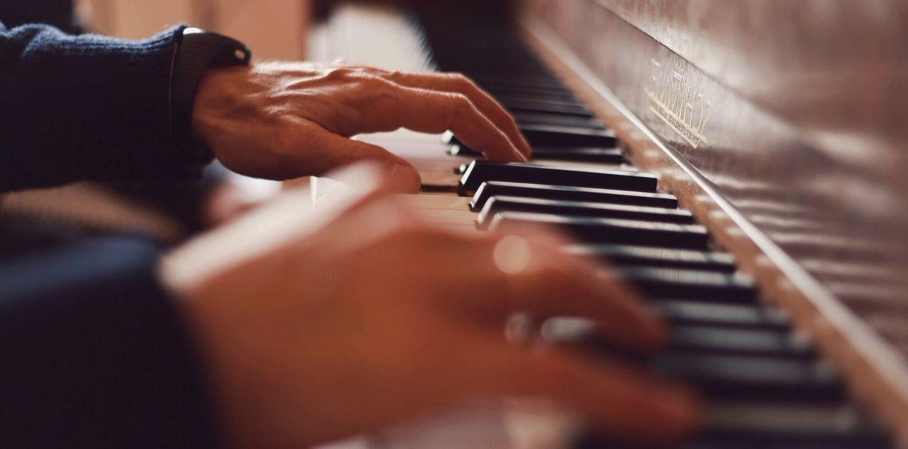 Manos para el piano... (http://instagram.com/pablopoulain) Hands Mano Hands Manos