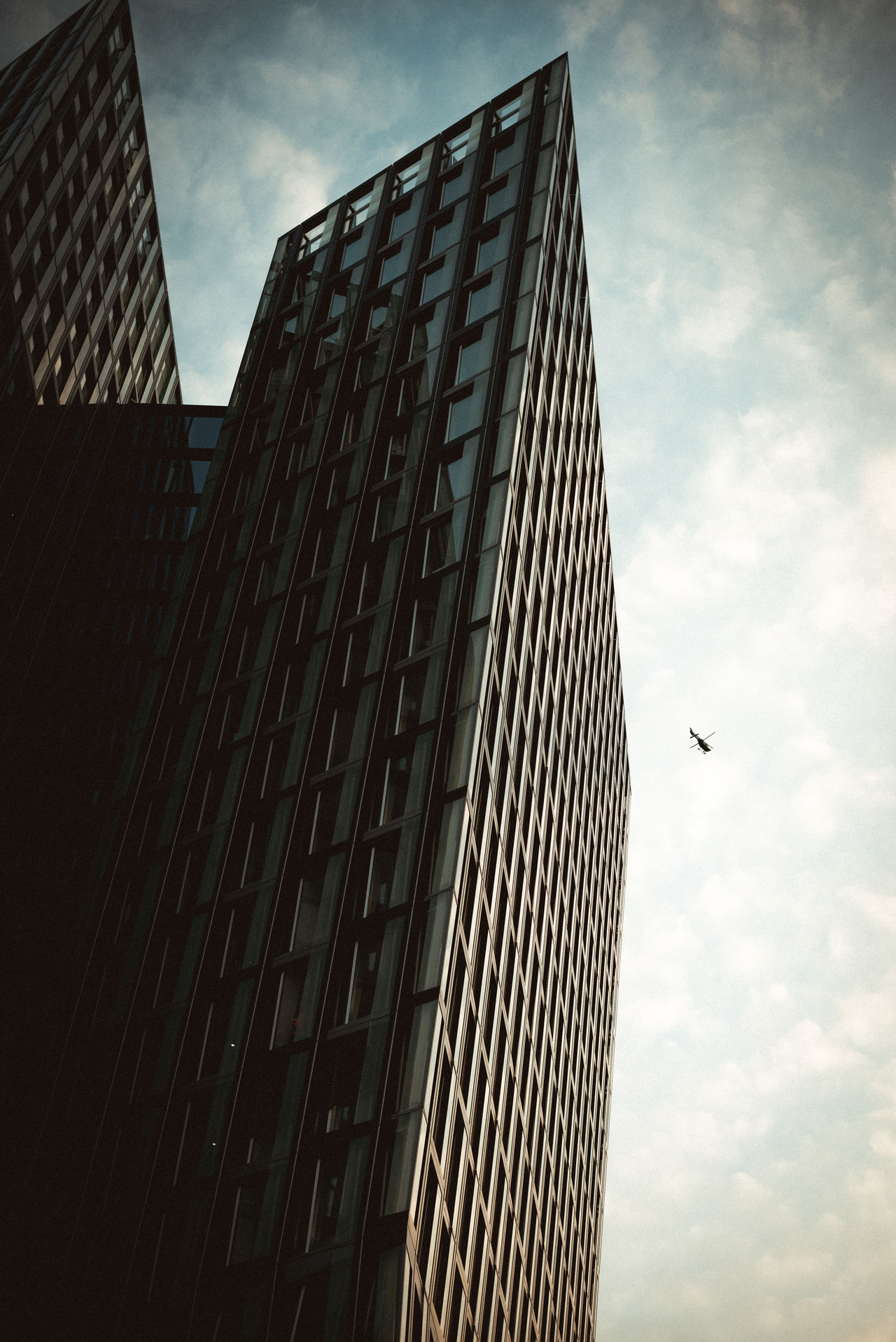 Architecture Low Angle View Sky Built Structure Skyscraper Building Exterior Cloud - Sky Modern Outdoors Animal Themes Day Travel Destinations No People Flying Bird City G20 Hamburg Hamburg City Politics G20 Meeting G20 Gipfel
