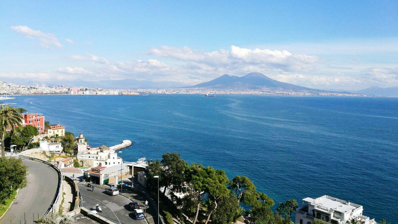 Vesuvio e golfo di Napoli Sea Mountain Water Napoli ❤ Vesuvio Vesuviocoast Vesuvio Landscape Beautiful City Vesuvio Da Napoli Vesuvius