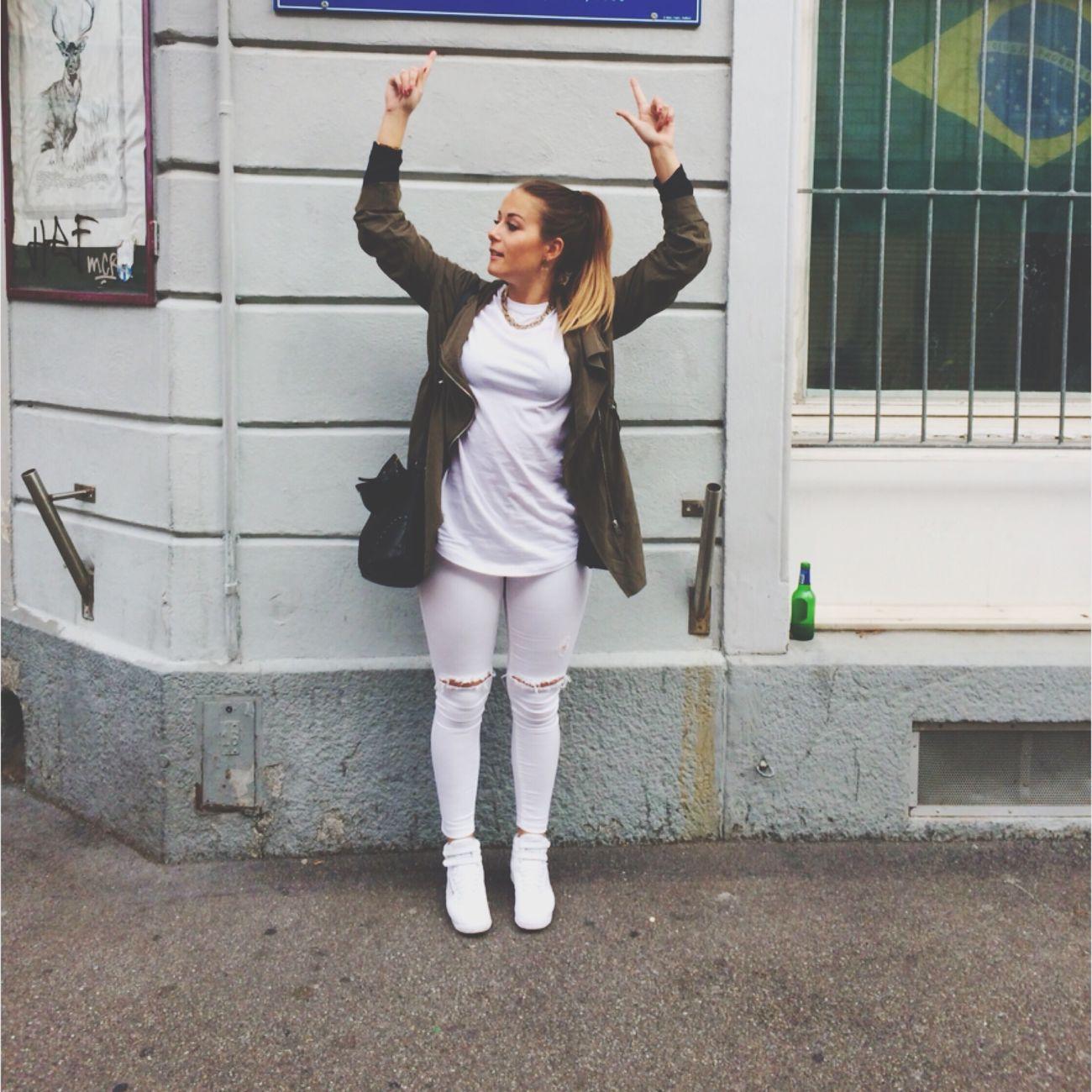 Handsup  Zurich, Switzerland Züriiiii Händ Ue