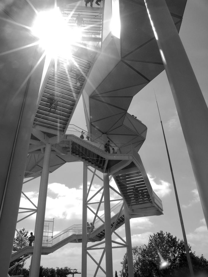 Architecture Blackandwhite Blackandwhite Photography Bnw Bnw_architecturelines Built Structure Contrast IGA2017 Lensflare Low Angle View Monochrome Sunlight Sunlight Wolkenhain