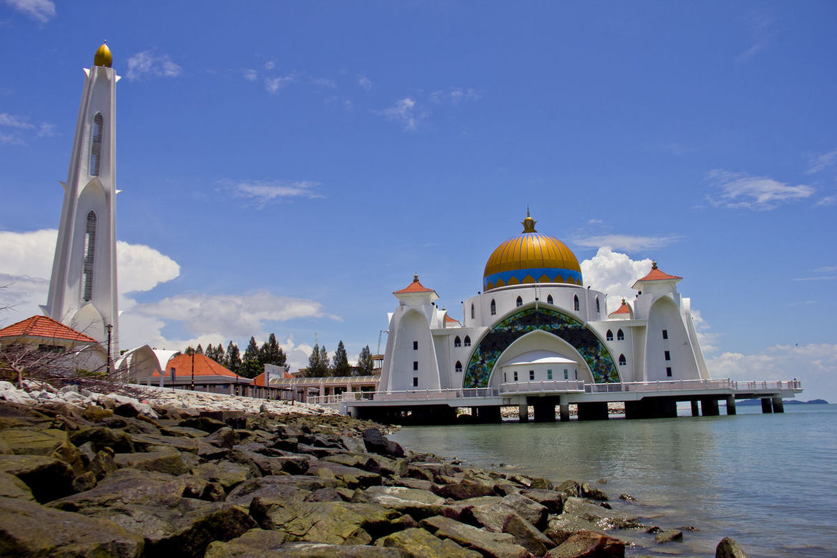 Masjid Selat in the afternoon Masjid Selat Masjid Selat Melaka Architecture Building Exterior Built Structure Day Dome History Masjid Masjid Selat At Malacca Masjid Selat Melaka Malacca Tourism Mosque No People Outdoors Place Of Worship Religion Sky Spirituality Travel Destinations Water