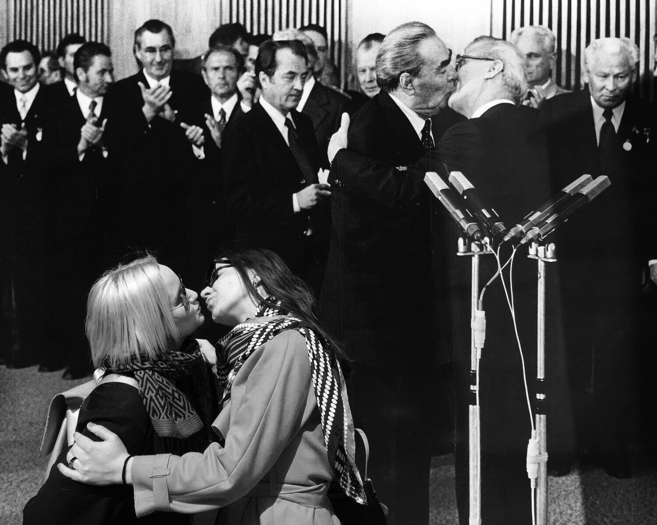 People_bw People Monochrome Bw Black & White Black And White Blackandwhite Streetphotography Streetphoto_bw Honecker Breschnew Kiss Girls DDR Udssr East Germany Soviet Sozialistischer Bruderkuss Bruderkuss Politics Political