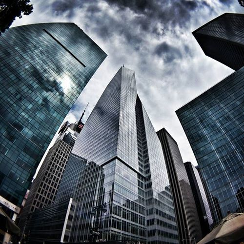 Up to the sky Newyork NYC Newyorkcity Manhattan Building Buildings Modern Architecture Archilovers Glass Sky Skyscraper Clouds Cloudporn Photo Photography Travel Travelgram Trip Lookingup Iloveny Ilovenyc Newyorkphoto instacool instanewyork mynyc bigapple thebigapple