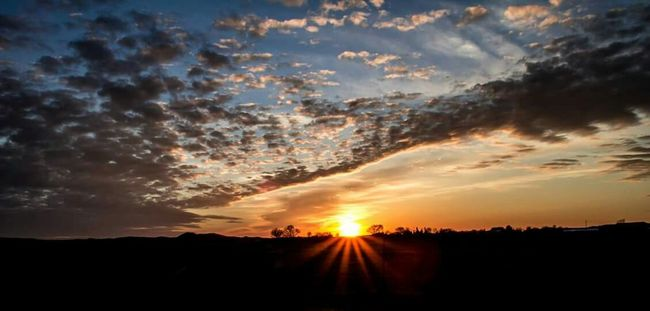 MidWest Wisconsin Sunset #sun #clouds #skylovers #sky #nature #beautifulinnature #naturalbeauty #photography #landscape Fireinthesky Sunset