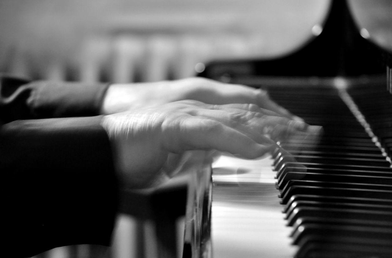 piano piano Close-up Human Body Part Human Hand Music Musical Instrument Pianist Piano Piano Key Playing