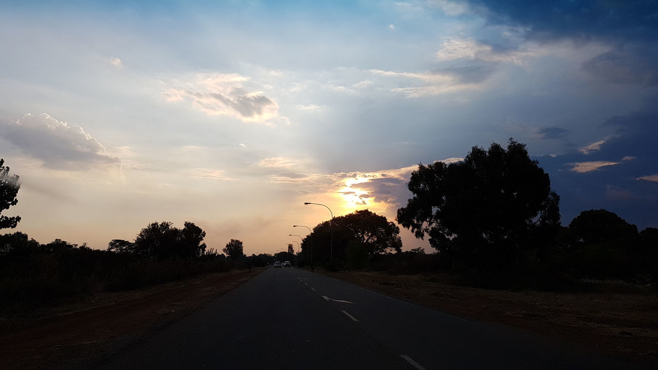 Road Sunset Nature Tree Outdoors Beauty In Nature No People Sky Day South Africa 🇿🇦 South Africa God's Glory On Display  Capture The Moment Exploring South Africa Silhouette Beauty Is Everywhere