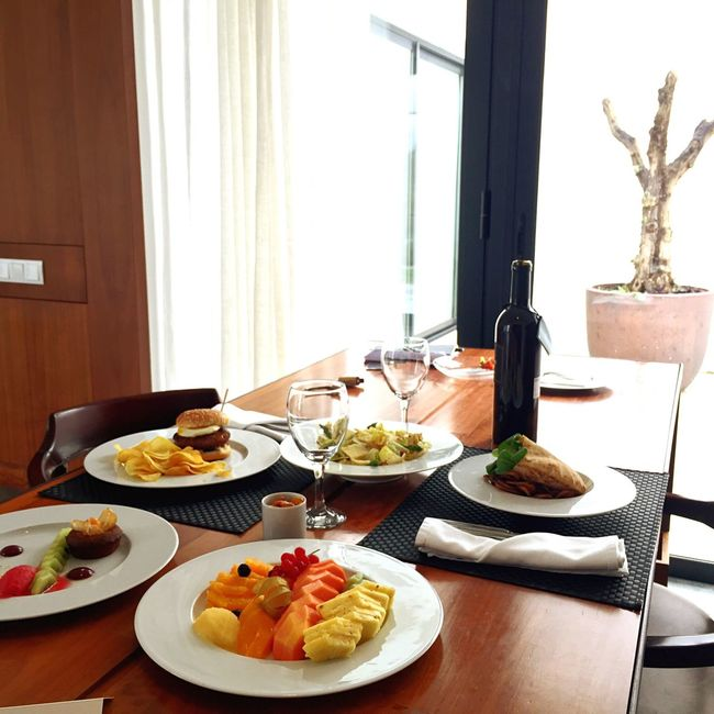 Room Service 5 Star Service Small Luxury Hotels Guanilho Relaxing Good Food Boa Mesa