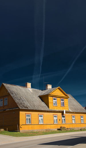 Antique Architecture Architecture Architecture_collection Blue Sky Building Exterior Built Structure Color Play Dramatic Lighting Dramatic Skies Dramatic Sky House Industry Light And Shadows No People Outdoors Real Life Residential Building Sky Smoll City Storm Cloud Street Street Photography Striped Yellow House  The Architect - 2017 EyeEm Awards Neighborhood Map Place Of Heart