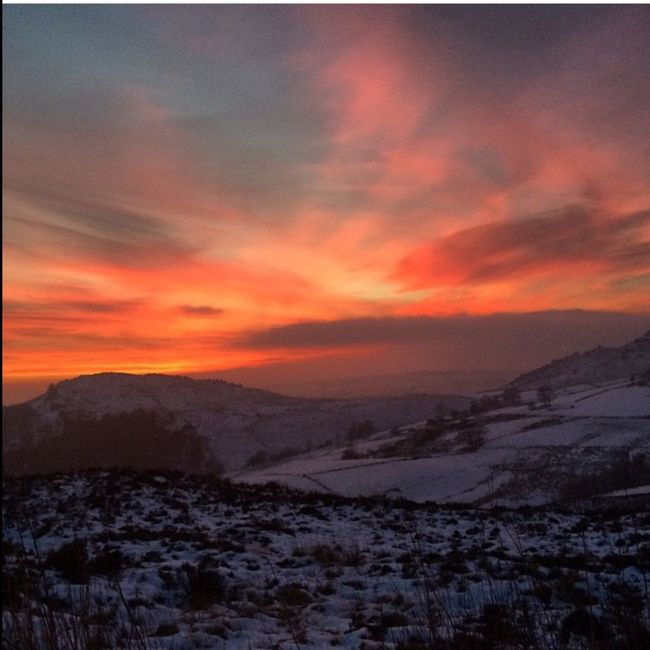 Sky And Clouds Snow ❄ Snowy Days... Snowy Sunset Sky_collection Frosty Sunset #sun #clouds #skylovers #sky #nature #beautifulinnature #naturalbeauty #photography #landscape Nature Photography Red Sky At Sunset Beautiful Skyporn Sunset Sunrise_sunsets_aroundworld Beauty In Nature Lovely Weather View