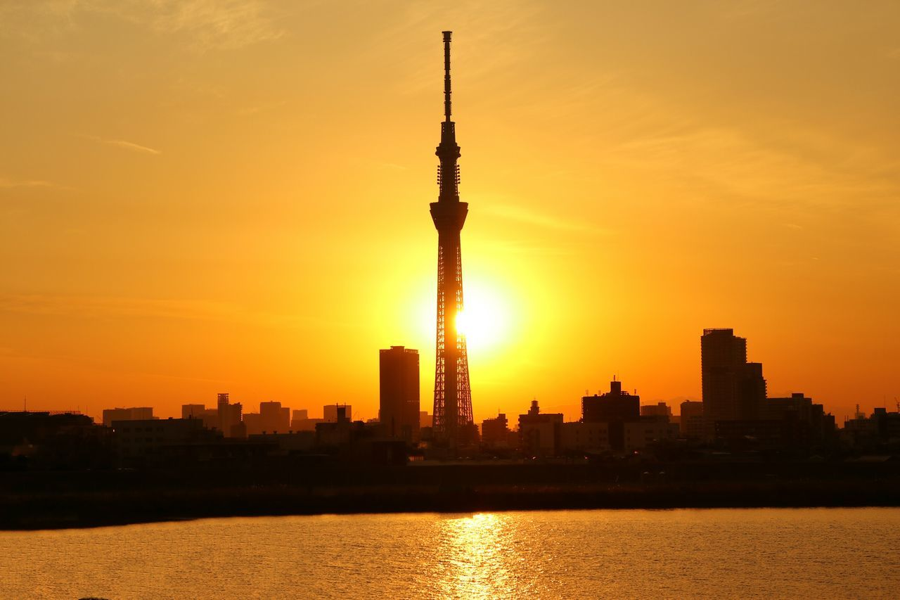 Sunset Tower Cityscape Sunset_collection Gradation Sunsets Sunsetsilhouettes Tokyo Japan Tokyoskytree Skytree River Water Reflection Sun