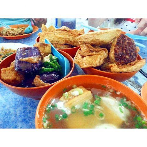 God... my favourite YongTauFu 😋😋😋 忠记 酿豆腐 Yongtaufu Foodpic Ipoh BigTreeFoot heaven foodporn