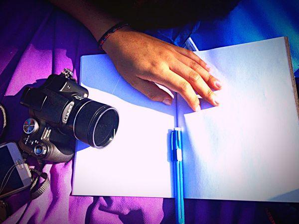Human Hand Camera - Photographic Equipment