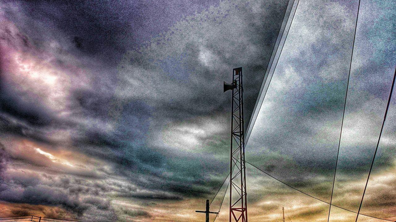 これよりショボい鉄塔は………無いだろうな~♪(*'艸`) 鉄塔♡Love Steel Tower  Steel Tower 💙 Love シルエット部 ダーク部 Silhouette Silhouette_collection Silhouettes EyeEm Best Edits Eyeem Best Shots - Silhouette