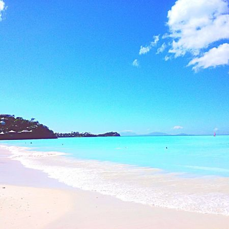 I Love the colour of the sea🌊 Taken in Antigua Jolly Beach🐚 Sea And Sky .. Oceanwater Relaxing Antigua And Barbuda Nature Taking Photos Hello World Eeyem Photography EeYem Best Shots