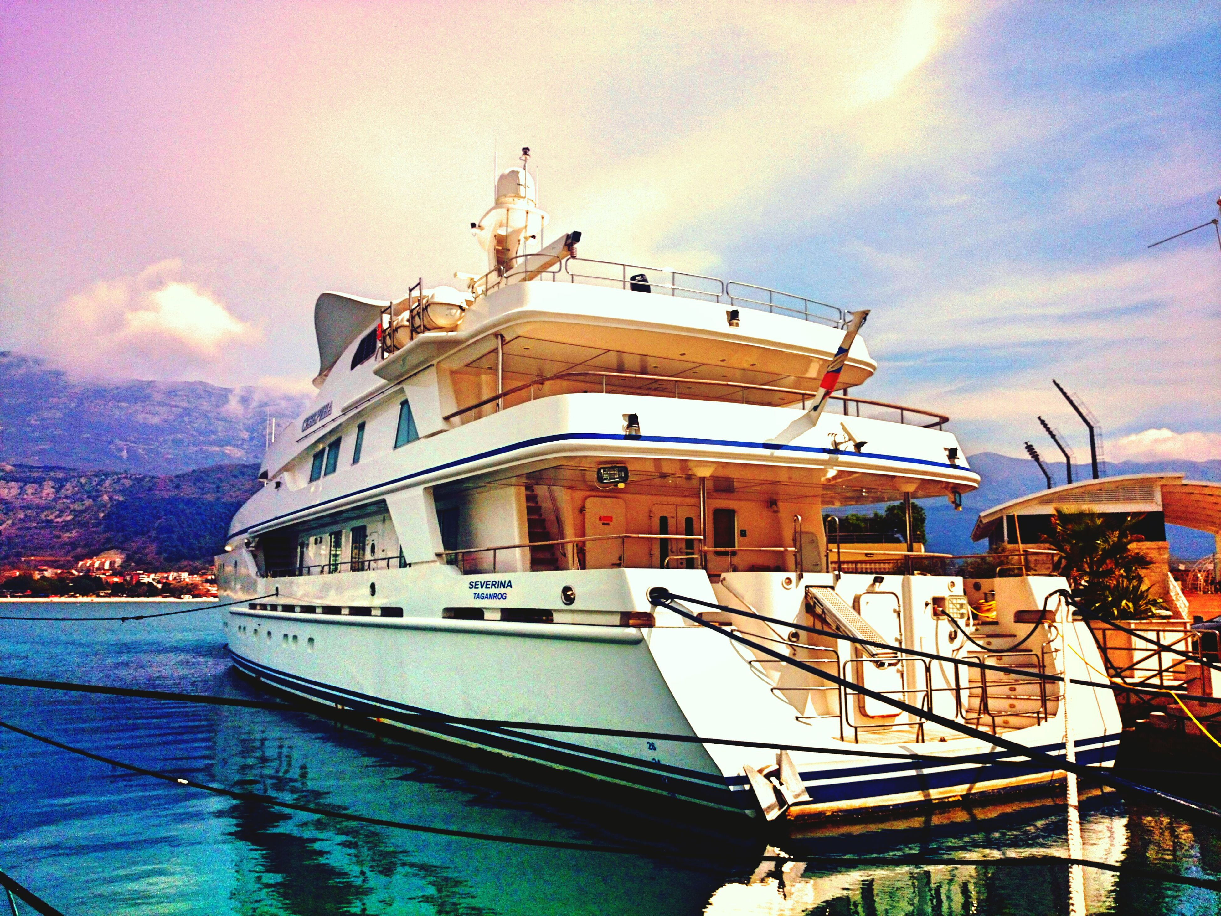 Yacht Colourful Sky Sea And Sky Sea Sea_collection Boat Rich Yachtlife Yacht Harbor
