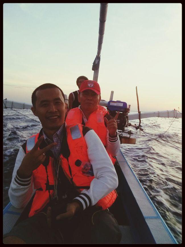 Hunting Dolphin Sea