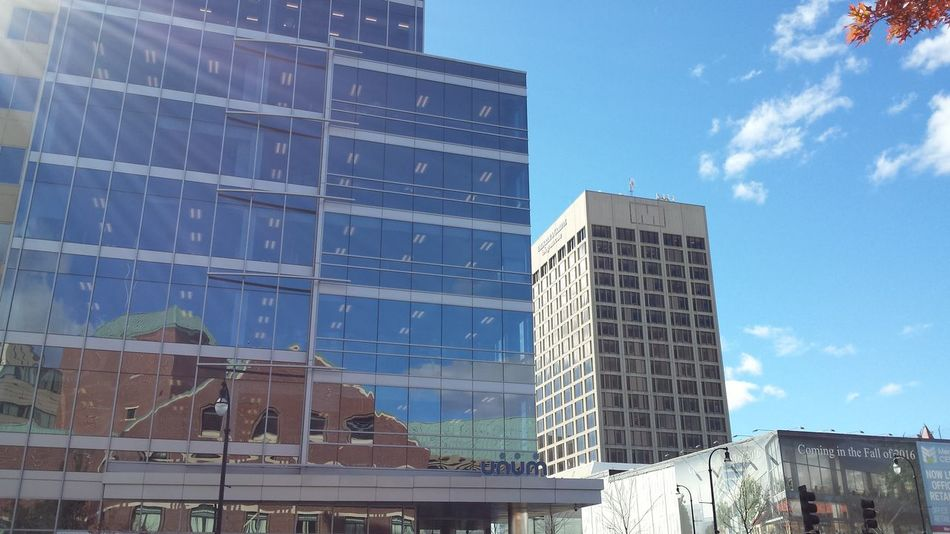 Brisk and Beautiful in Worcester today. Skyscraper Architecture Urban Skyline No People Day Minimalist Photography  Fine Art Photography Creation Street Photography No Filter Urbanphotography Reflection City Sky Full Frame Sun Glass - Material Bricks Clouds And Sky Window Reflections Earth Civilization