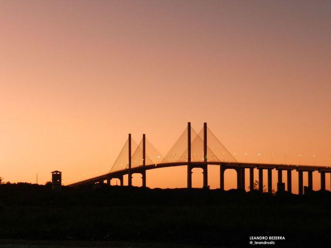 Crepúsculo e Ponte Newton Navarro. Praia do Meio, Natal/RN.