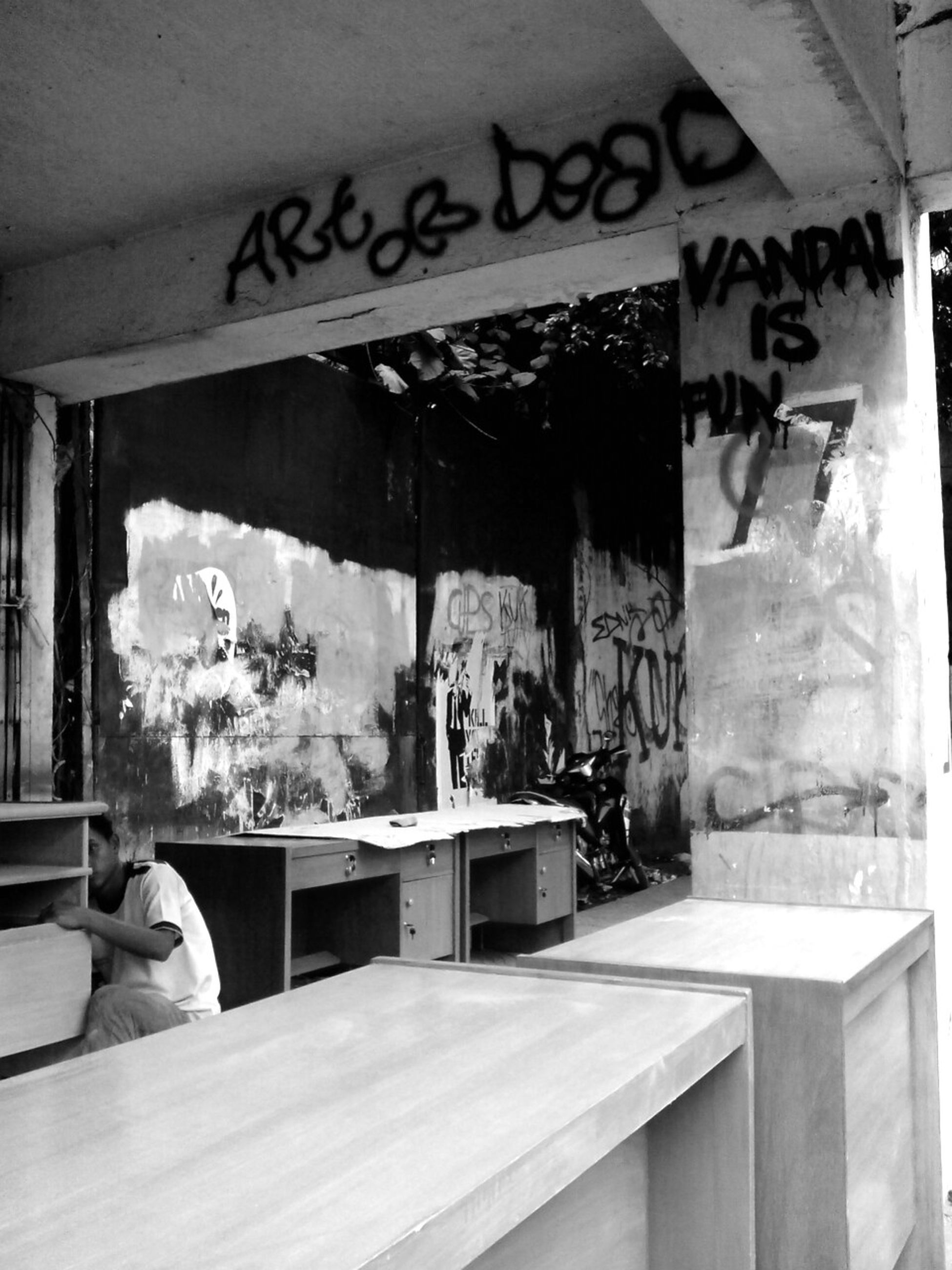art or dead | vandal is fun Black And White Street Photography Street Art Jakarta Muralnesia