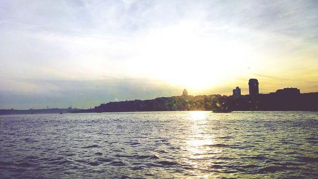 Istanbul City Günbatımı Hdrphotography Hdr_pics Denizhavası Bu şehir Sevilir Beşiktaş Sahil