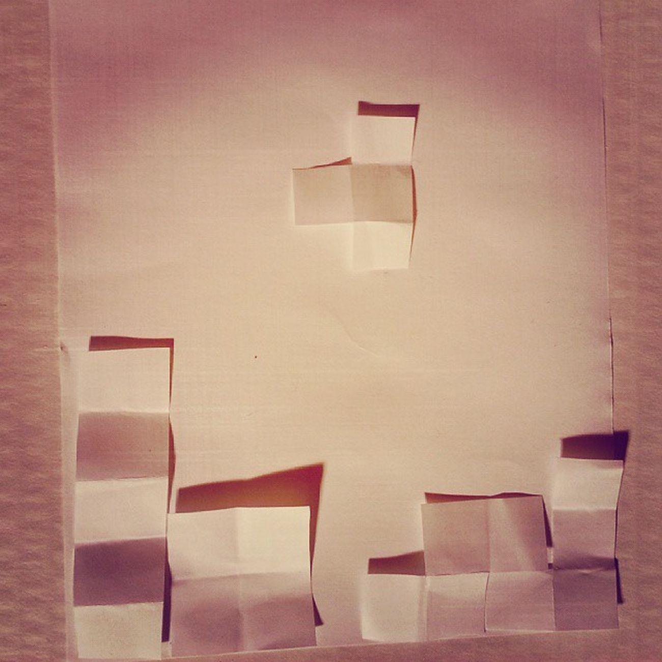 Brincando com papel e sombras na aula de hoje! Tetris Paper Shadows College photo