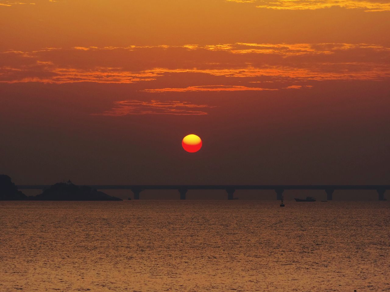Last Sunrise 2016 Sea Beauty In Nature Sky Nature Orange Color Beach Scenics Tranquility Water Ball Tranquil Scene Horizon Over Water Outdoors Sun No People Beach Volleyball Sunrise Seascape Zhuhai Sea_collection Mountain Silhouette China Sea View Bridge