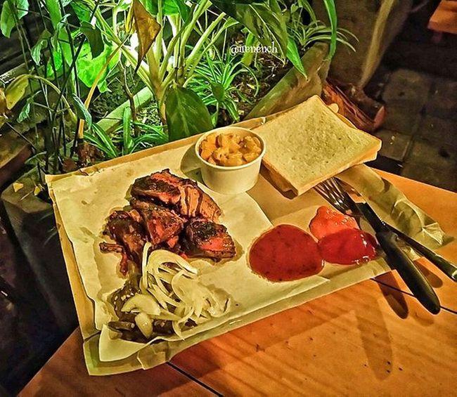 On a date 💏👫 @smokehouse_bali Dinnerdate Beefbrisket Foodie Foodporn Culinary 9vaga_food9 Kulinerkerobokan