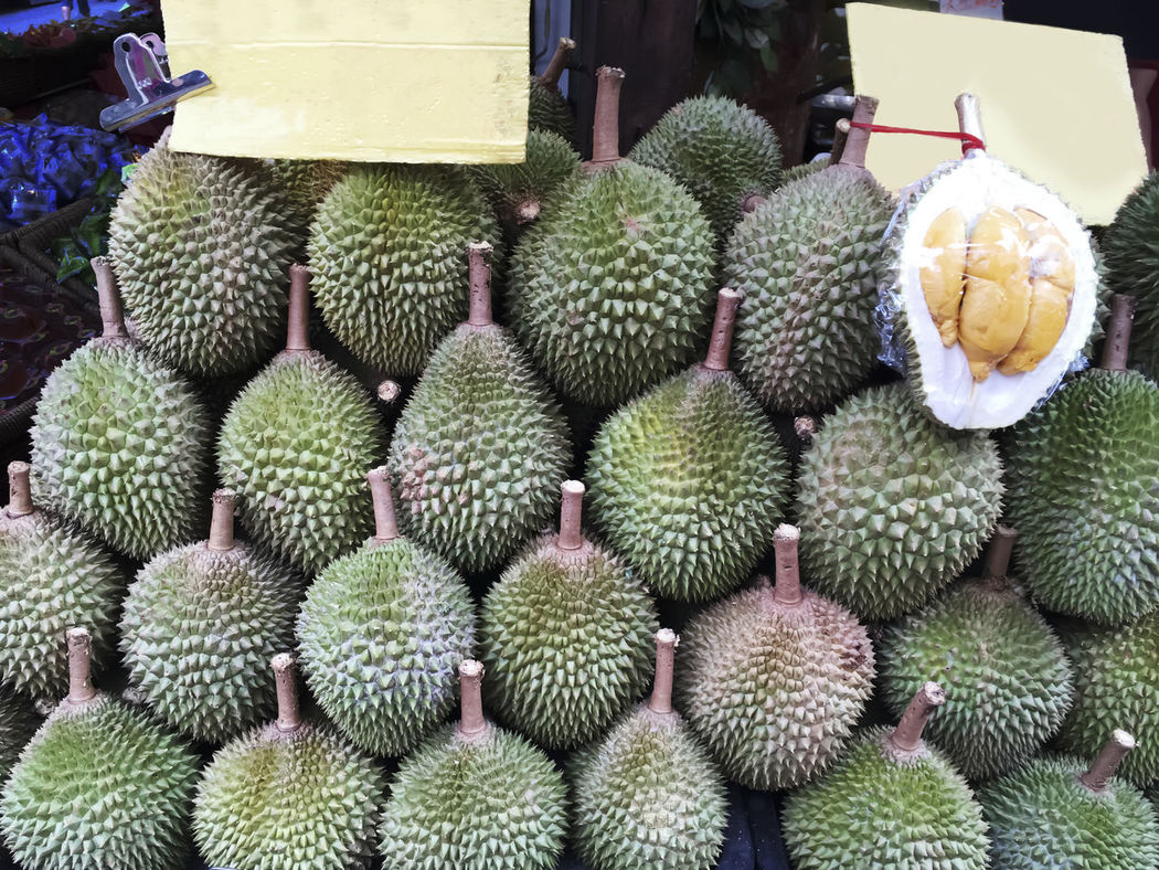 Close-up Durian Durians Shop Food Freshness Fruit Healthy Eating Large Group Of Objects Market Outdoors Tropical Fruit