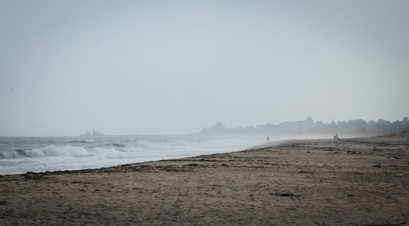 Foggy Morning Walk Oceanside Shoreline Life Is A Beach EyeEm Nature Lover Seaside Water_collection Beach Photography Horizon