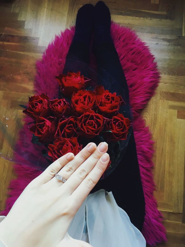 Flower Real People One Person Human Hand Pink Color Beauty In Nature Freshness Ring Fashion