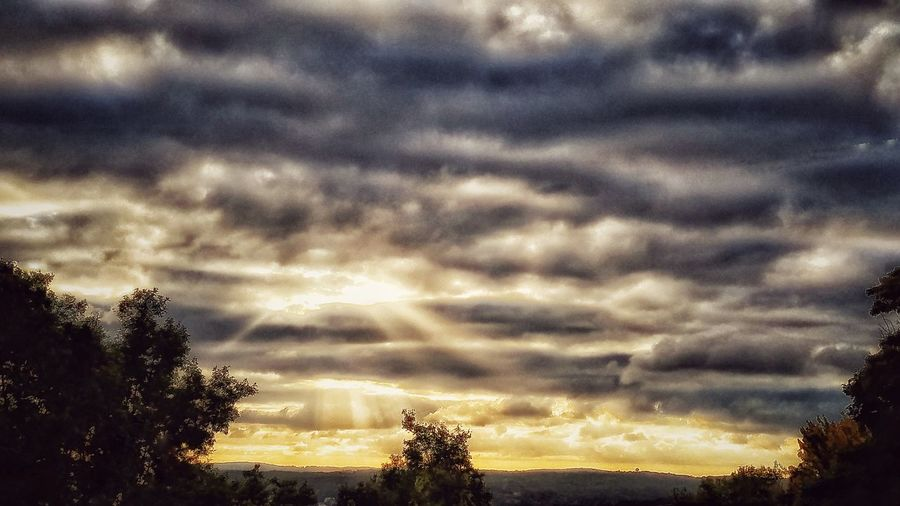 Tonight's Sunset! Tranquil Scene Tranquility Beauty In Nature Sunset Sunbeam Outdoors Majestic Cloud - Sky Nature Sky Sunlight Playingwiththesun Edited My Way Naturephotography Nature Photography