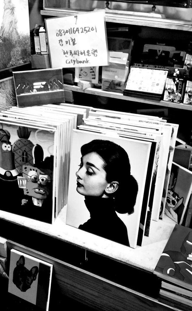 Canvas Black & White Korea Photo Shoot