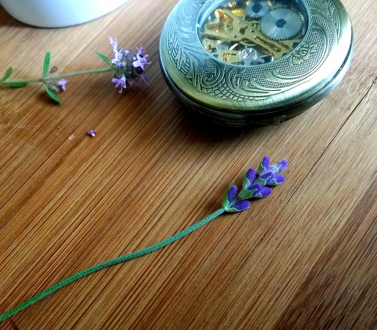 Table Indoors  Wood - Material High Angle View Flower Freshness Close-up Herbal Fragility