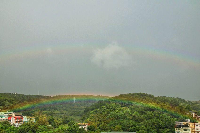 Canon Canonphotography VSCO Vscocam 🌈 Double Rainbow 🌈 Rainbow Colors Rainy Days Mountain Range Tree Green Cloud And Sky